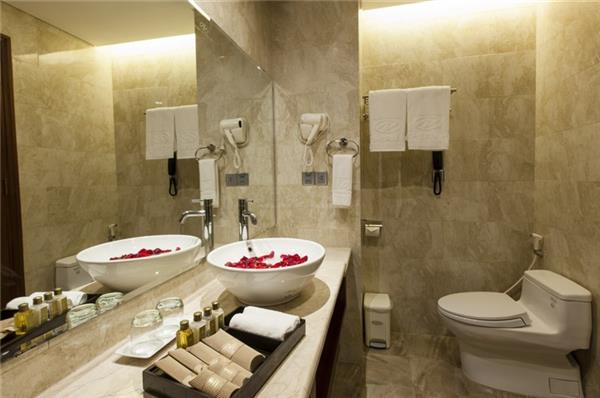 Đồ dùng 1 lần trong phòng tắm khách sạn nào cũng phải có